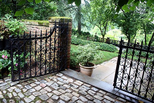 Flooring-cobble-stone-garden-reclaimed-limestone-canada