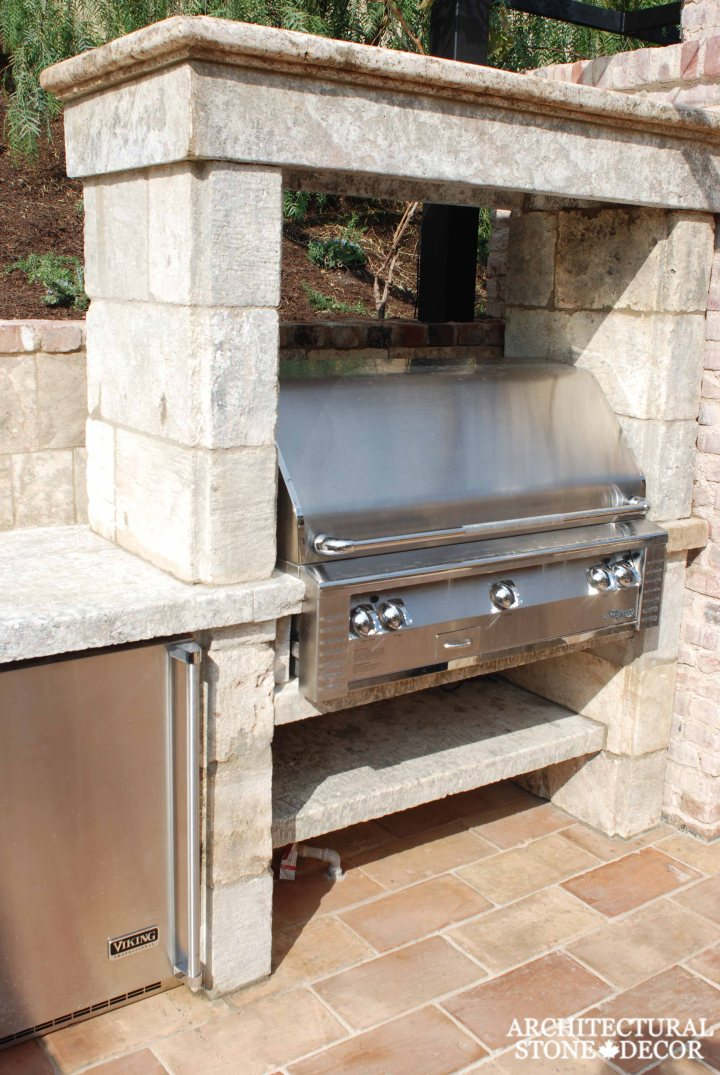 Canada outdoor kitchen barbecue landscape design home décor old natural stone