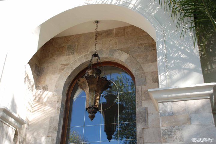 Craftsman rustic style villa home reclaimed limestone 'Barre Montpelier' wall cladding and entryway canada ca