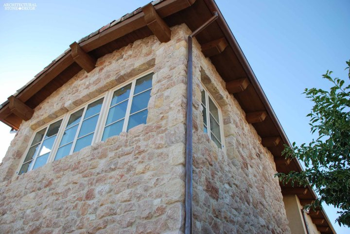 Outdoor Exterior Tuscan natural stone reclaimed rustic old world limestone wall cladding veneer canada ca